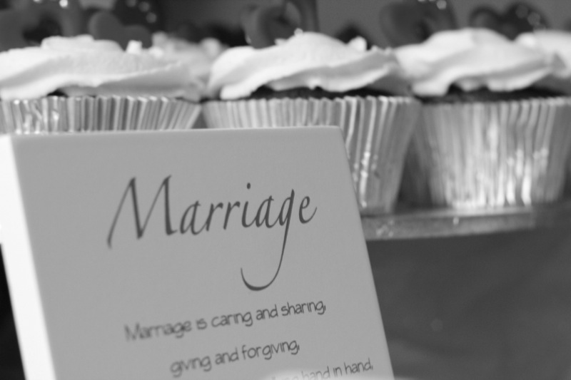 bw marriage-cakes
